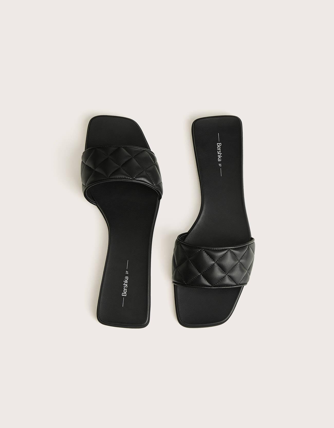 Sandalias pala negras acolchadas
