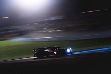 Lucha contrareloj entre los Toyota en la noche de las 24 Horas de Le Mans 2018