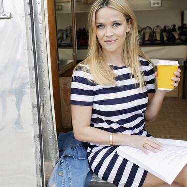 January Jones y Reese Witherspoon cambian de look a golpe de tijera: el verano pide pelo corto