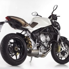 Foto 2 de 27 de la galería mv-agusta-brutale-675-desvelada-en-el-eicma-2012 en Motorpasion Moto
