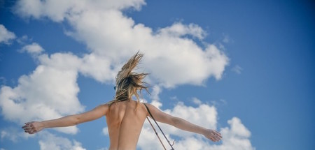 ¿A dónde viajan los nudistas en invierno?