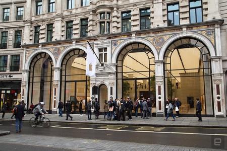 Apple Store Regent Street 1