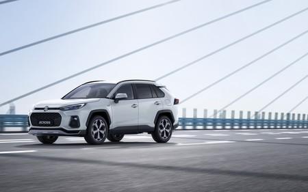 Suzuki presenta el nuevo Suzuki Across: un SUV híbrido enchufable primo hermano del Toyota RAV4 con 75 km de autonomía eléctrica