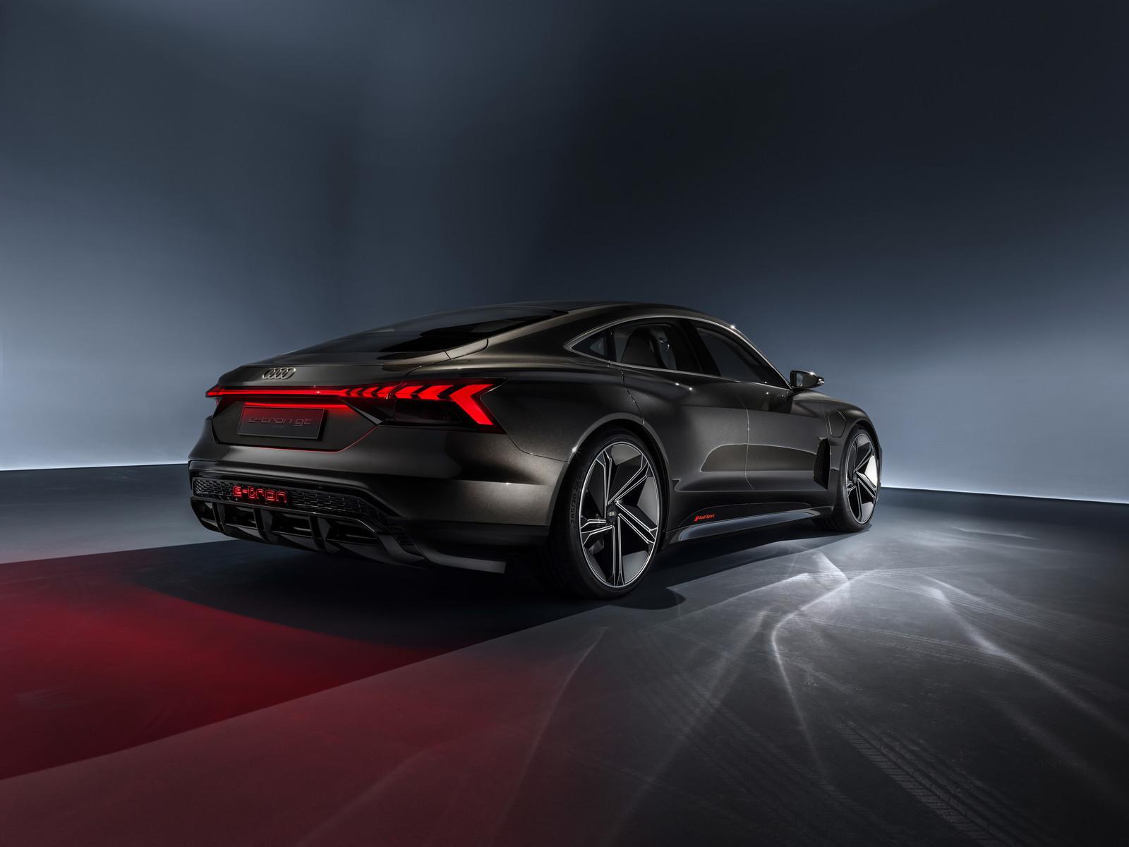 Foto de Audi e-tron GT concept 2018 (34/55)