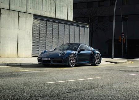 Para Porsche el futuro no sólo es la electricidad, también los son los motores a combustión y los combustibles sintéticos