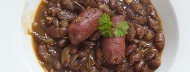 Receta de alubias pintas estofadas con choricitos, el plato de cuchara perfecto para entrar en calor