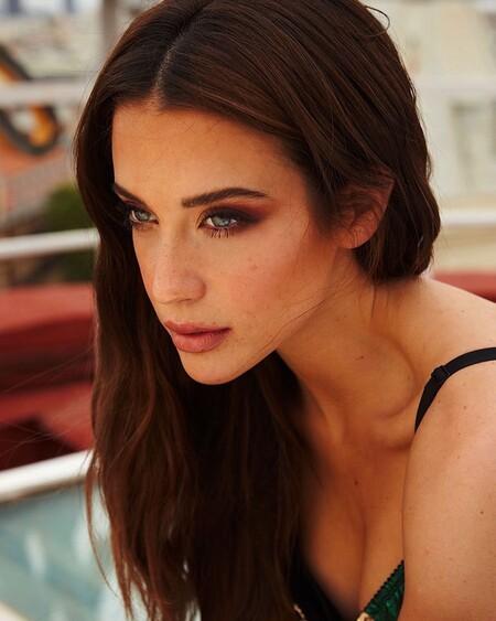 Cinco básicos de maquillaje low cost para conseguir el look veraniego de María Pedraza
