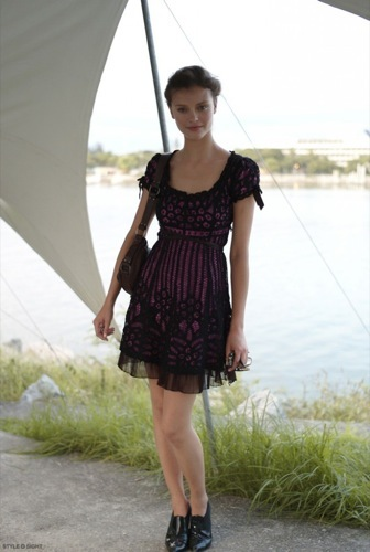 Looks de calle para estos días: vestidos e ideas para esta Nochevieja, vestido