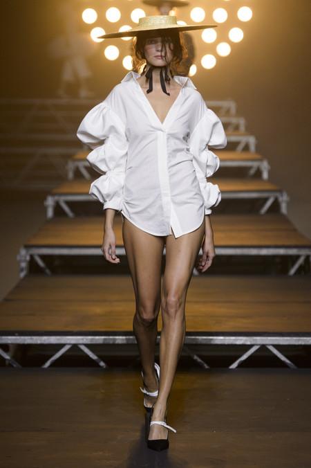 Clonados y pillados: ¿Jacquemus o Zara? El complemento más cool en versión low-cost