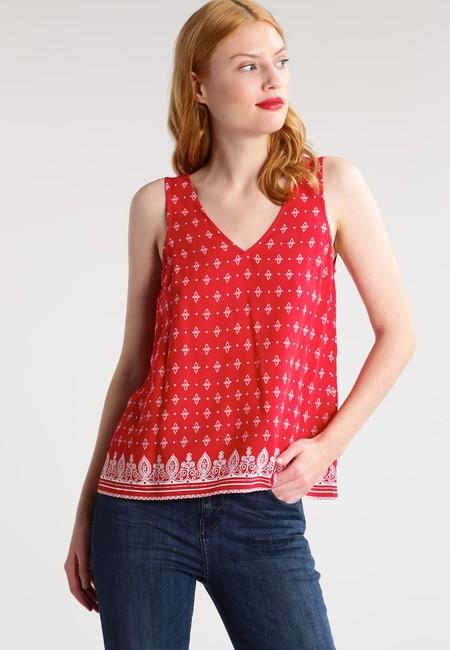 01a85e56ead Te gusta esta blusa? Está a la venta en Zalando por 8,45 euros y con ...