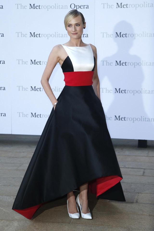 Foto de Top 5-1: famosas mejor vestidas en las fiestas 2013 (29/31)