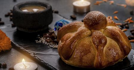 Pan de muerto marmoleado. Receta de la cocina mexicana