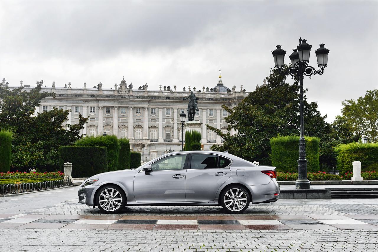 Foto de Lexus GS 300h (37/153)