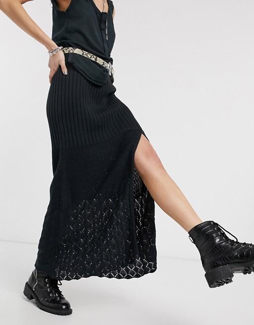 Falda midi con abertura en el muslo de croché Bari.