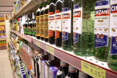 Gran Bretaña informará en las etiquetas de sus bebidas alcohólicas las calorías que aportan