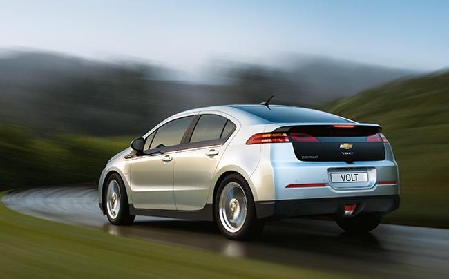 Chevrolet Volt gris plata vista trasera