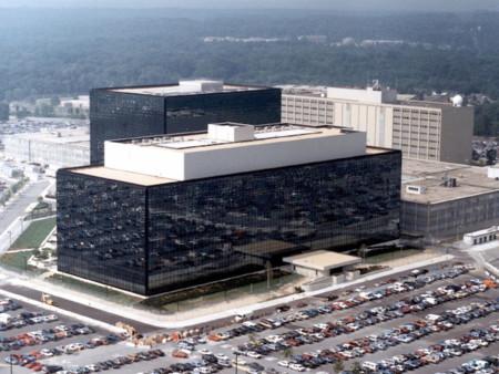 La NSA no solo espió a Angela Merkel: Chirac, Sarkozy y Hollande también fueron víctimas en Francia