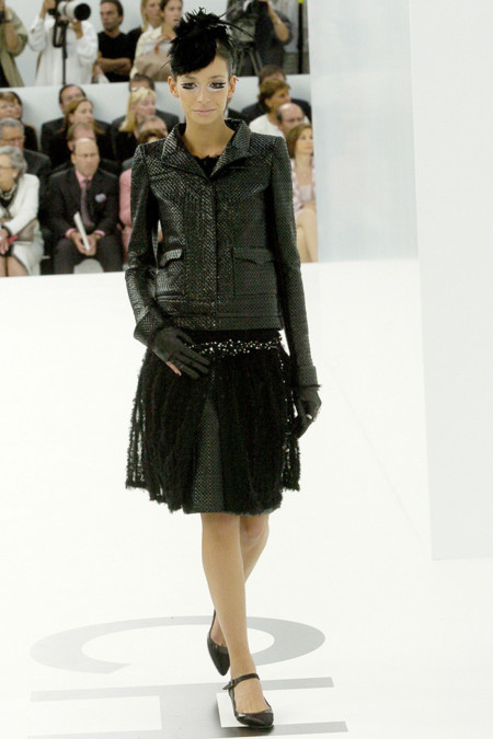 amanda sanchez chanel fall 2004 alta costura