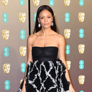 Premios BAFTA 2019: Thandie Newton llegó con uno de los vestidos más espectaculares de la noche firmado por Valentino