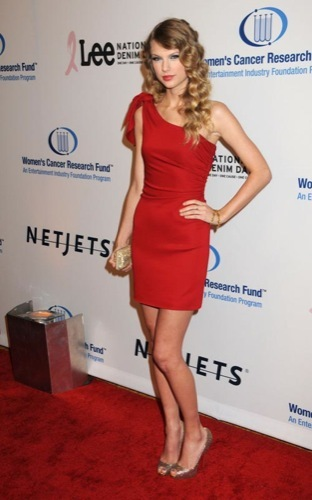 Alfombra Roja solidaria en la Unforgettable Evening: Taylor Swift