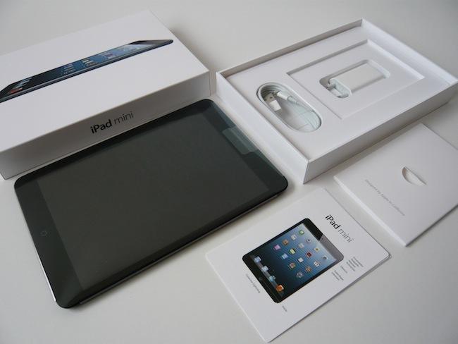 Análisis iPad mini contenido caja