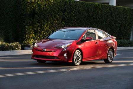 ¿Litio o Ni-Mh en el Toyota Prius 4G? Una cuestión de equipamiento