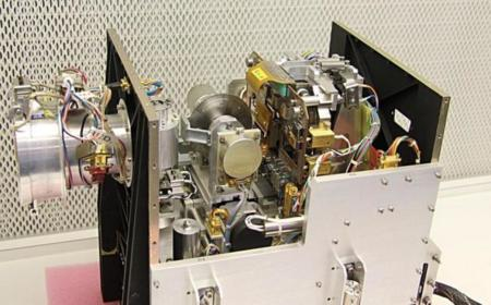 ¿Qué pasa cuando tienes que actualizar el sistema... de un satélite a millones de kilómetros de la Tierra?
