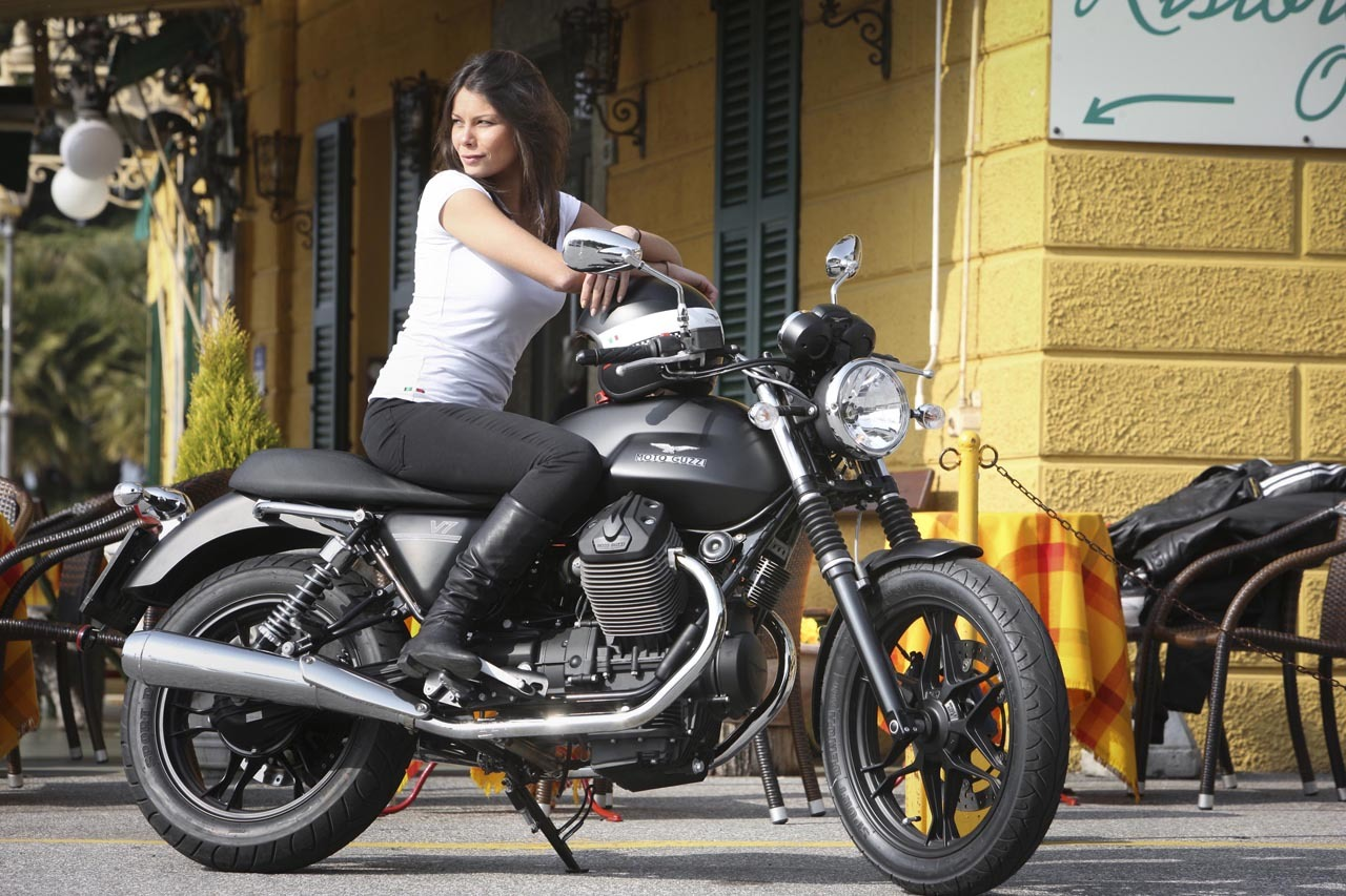 Foto de Moto Guzzi V7 Stone (42/57)