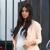 No hay quien detenga a Kim Kardashian y su embarazo no le impide marcar silueta