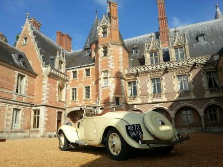 El Château de Maintenon se viste de gala con los mejores clásicos de Citroën