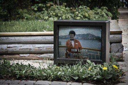Televisiones abandonadas - vacaciones en el mar