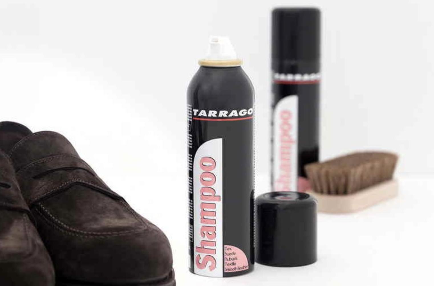 Espuma limpiadora especial para limpiar en seco el calzado y otros artículos de ante, nobuck, textil, microfibra, piel y piel sintética. Proporciona un tacto sedoso y no obstruye la transpiración.á 200 ml.