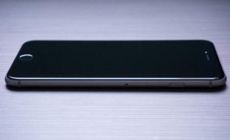 Aparecen nuevas imágenes del posible chasis del iPhone 7 Black Space: todo lo que esperamos de él
