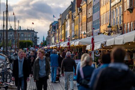 """Confianza, poca polarización y sin """"policías de balcón"""": el éxito de Dinamarca contra el covid"""