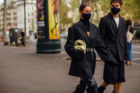 Las americanas se llevan ajustadas con cinturón (al estilo Prada) y estas cinco propuestas del street style son fáciles de adoptar