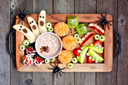 Cómo decorar fruta para un Halloween divertido, pero saludable