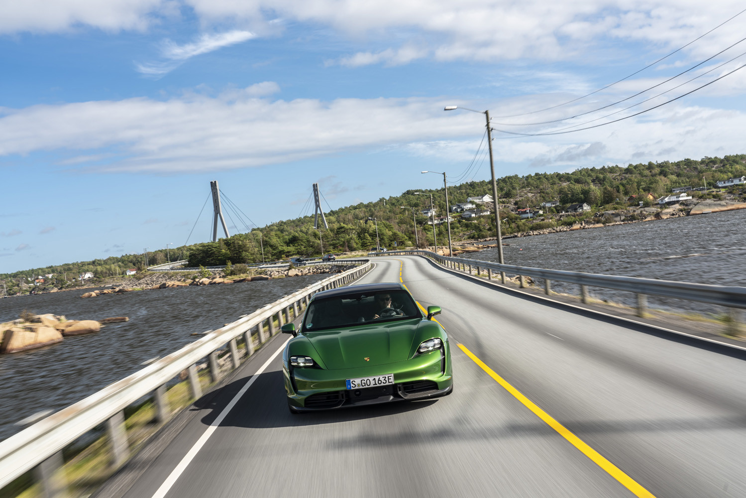 Foto de Porsche Taycan prueba contacto (262/275)