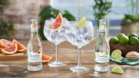 Parece una broma, pero aquí hay negocio: llega el gin tonic sin alcohol