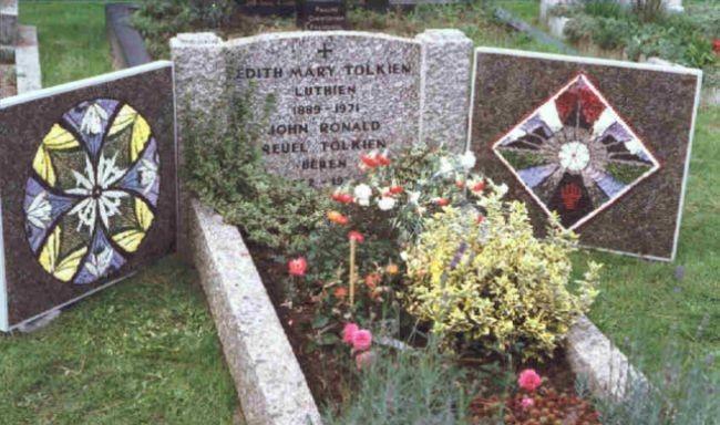 Últimas palabras: epitafios curiosos de escritores (y III)