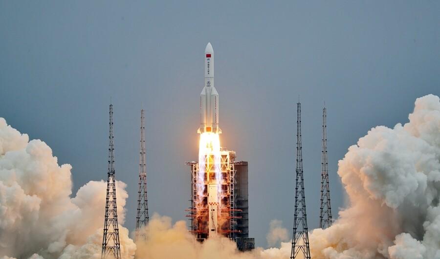 China lanza la cápsula central de su futura estación espacial, una de las instalaciones espaciales más grandes y sofisticadas