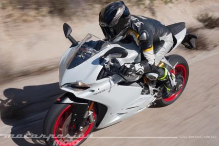 A bordo de la Ducati 959 Panigale, melodía en movimiento