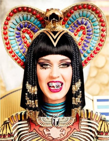 ¡Pasen y vean señores, conozcan a la nueva Katy-Patra!