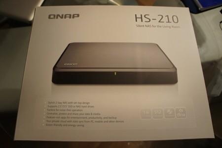 Caja del QNAP HS-210