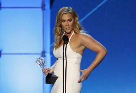"""Amy Schumer se enfada y mucho: """"no soy una talla grande"""""""