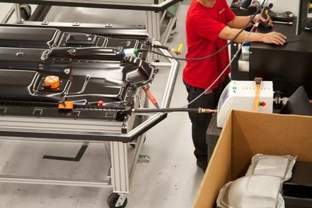 Apple está fichando a empleados de Tesla para su 'Project Titan', o próximo coche eléctrico