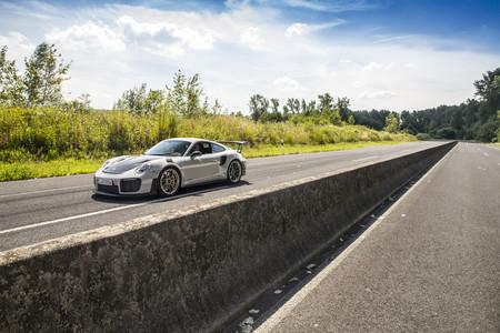 Porsche 911 GT2 RS exterior
