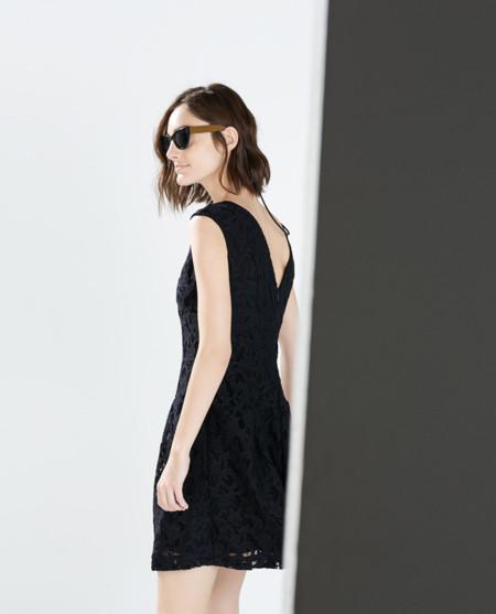 Los 17 vestidos de Zara que verás en todas las fiestas de Navidad
