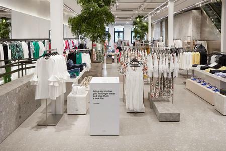 """¿Se puede ser sostenible produciendo más ropa de la que se vende? El """"green washing"""" de la moda cree que sí"""