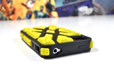 Funda para iPhone X-Protect de G-Form, ¿jugamos a hockey hielo?