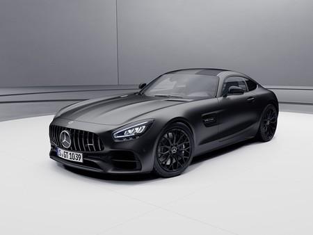 El Mercedes-AMG GT de acceso sube de 476 a 530 CV, mejora su equipamiento y destierra al GT S